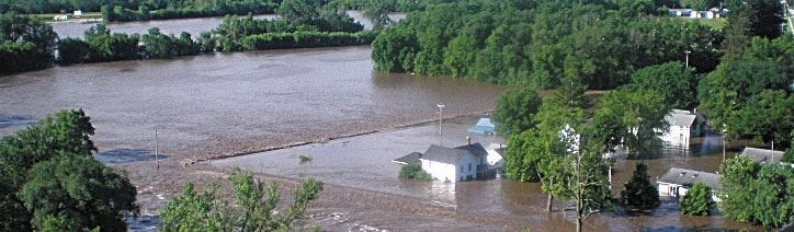 2008 Flood - Elkader Neighborhood Aerial