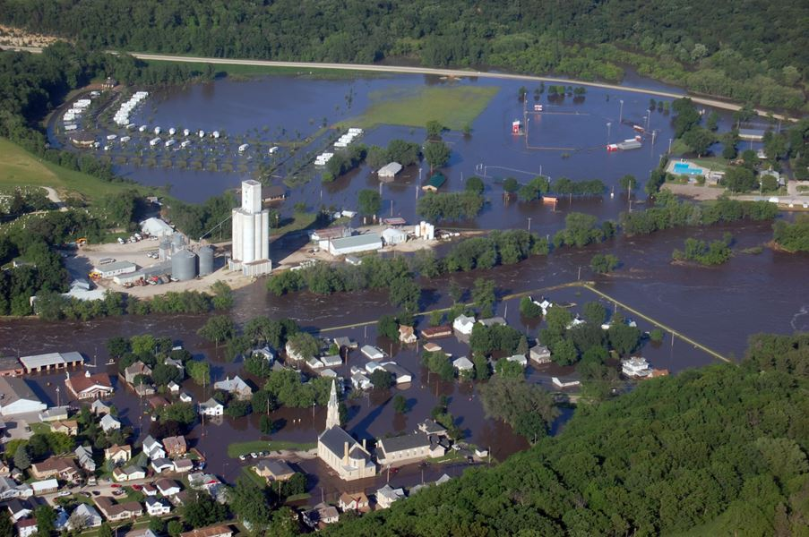 2008 Flood Elkader Aerial